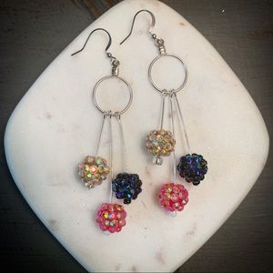 Festive dangle drop earrings!